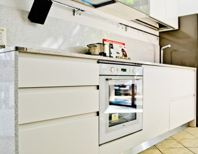 Cucina Wega di Arredo 3 con finitura laccata bianca